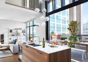 Stylový loft nabízí místo pro relaxaci, práci i zábavu