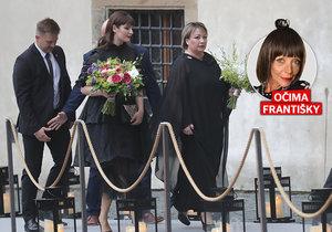 První dáma s první dcerou na večírku Louise Vuittona očima Františky