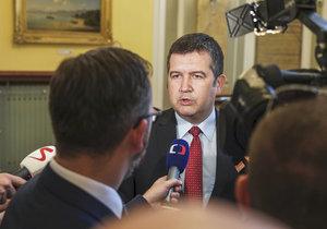 ČSSD se bouří kvůli postupu Zemana. Prezidentovi dává Hamáček čas do konce června