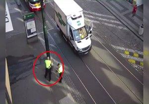 Opilý řidič dělal problémy na Václavském náměstí.
