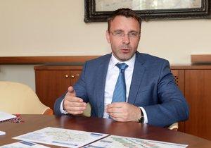 Ministr dopravy Vladimír Kremlík (za ANO) během rozhovoru pro Blesk (3. 7. 2019)