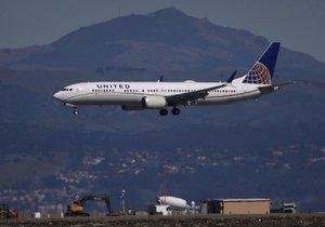 Boeing 737 MAX v barvách aerolinek United Airlines