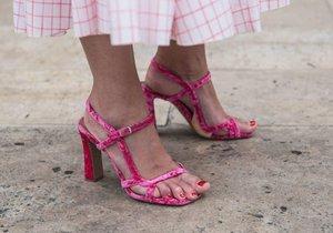 Vyberte si nové sandálky ve slevách