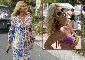 Monika Babišová tráví letošní začátek prázdnin ve Francii. Plavky střídá za designové šaty. Pláže za návštěvy měst a promenád