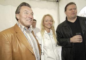 Dominika s manželem Timem a otcem Karlem Gottem