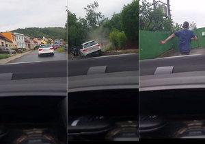 Řidič bílého audi naboural plot, hlídce ale neutekl. Kromě zákazu řízení usedl za volant s alkoholem v krvi.