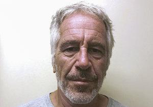 Jeffrey Epstein (†66) spáchal sebevraždu.