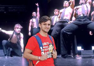 Youtuber Tary v roce 2013 pracoval jako striptér.