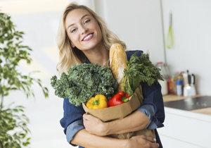 Které potraviny nejezte syrové? Na tyhle si dejte pozor, mohly by vás zabít