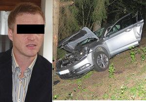 Alexandr Č. (36) má jít  na 6,5 roku do vězení, opilý a sjetý boural, kamarád zemřel, on zachraňoval psa.