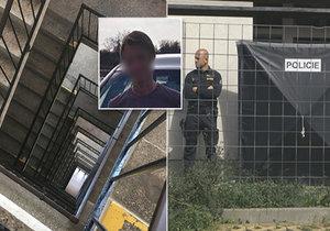 Jan (†21) s kamarádkou (†16) společně skočili z 11. patra do 30 metrové hloubky panelákového schodiště.