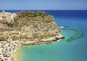 Tropea patří k nejvyhlášenějším plážím Kalábrie.