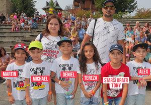 Paterčata z Milovic vyrazila do školy: Rodiče promluvili o finanční náročnosti