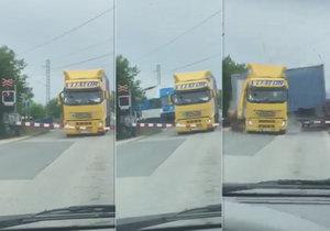 U Uhříněvsi došlo k hrozivé srážce kamionu a vlaku.
