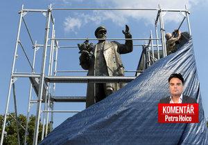 Po třech týdnech česko-ruské diplomatické války maršál Koněv padl. Vezmou si ho komunisti?