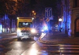 Na Vinohradech zemřel chodec, srazilo ho auto.