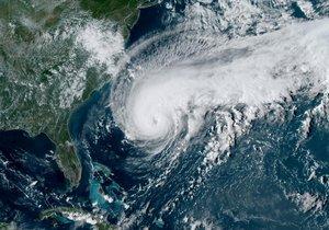 Hurikán Humberto míří na Bermudy