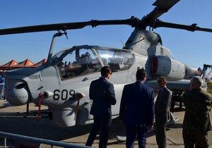 Vrtulník Bell AH-1Z Viper se má stát výzbrojí i české armády. (21. 9. 2019)