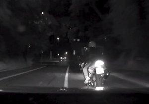 Policisté 17. září pronásledovali zfetovaného motorkáře.