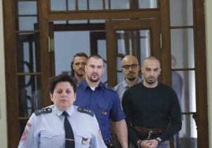 Bratři Aräsh a Armin N. vyfasovali u prvoinstančního soudu tresty pět a šest let odnětí svobody. Státní zástupkyně přitom požaduje přísnější trest.