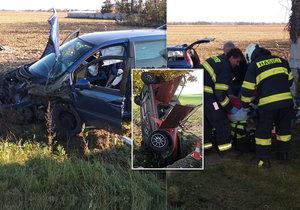Tragický začátek víkendu: Mladík (†19) sjel autem do příkopu, další řidič (†22) dostal smyk!