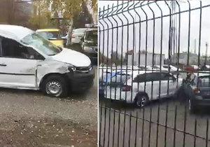 Kamion vletěl z dálnice na parkoviště autoservisu: Smetl na 30 aut!