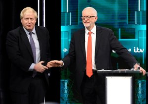 Johnson v historické televizní debatě slíbil brexit 31. ledna