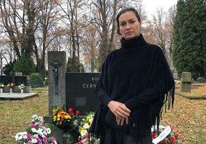 Nahota a pak pohřeb? Cvičitelka Kynychová přišla o člena rodiny!