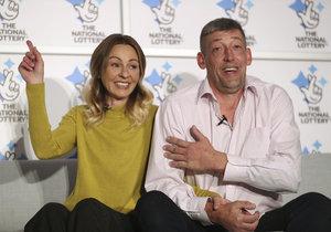 Lenka s manželem vyhráli přes tři miliardy korun.