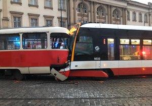 Na Pohořelci se 10. ledna 2020 srazily dvě tramvaje.