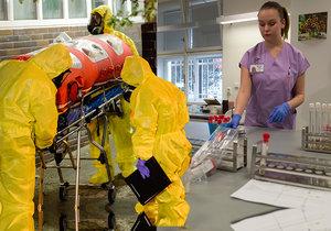 I v Česku panují obavy z koronaviru. Nemocnice jsou připravené, hlásí ale úřady.