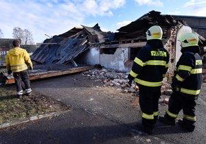 Úklid následků díla zkázy v Rohozné na Jihlavsku, škody tu napáchal orkán Sabine (11. 2. 2020)