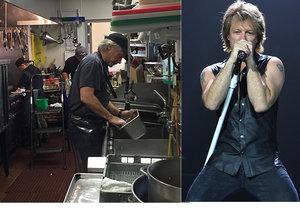 Z rockera Jona Bon Joviho je pomocná síla v kuchyni.