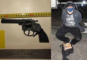 """Se """"zbraní"""" v ruce vyrukoval v Dejvicích na dvě ženy. Cizinec (21) za to skončil v poutech"""