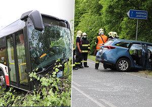 Un autobús regular con un automóvil chocó cerca del pueblo de Podolanka.  Varias personas resultaron heridas, sobre todo el conductor del automóvil de pasajeros para el que volaba el helicóptero.