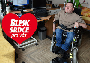 Filipovi (50) kvůli nemoci ochabují svaly, přesto zvládá pracovat! Pomáhají mu asistenti
