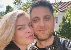 Nikol Štíbrová s přítelem Petrem