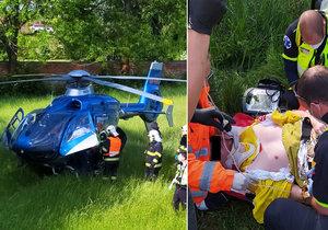 Hrůza u Berouna: Motorkář spadl i se strojem do příkopu s vodou.