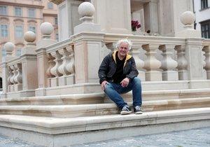 Mariánský sloup na Staroměstském náměstí vysochal Petr Váňa.