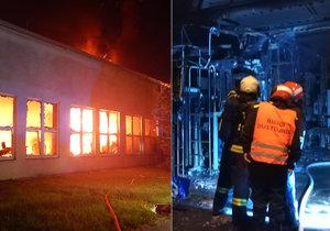 Požár galvanovny hasiči likvidovali dlouhé čtyři hodiny.