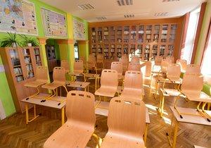 Koronavirus na Ostravsku: Roušky budou v Porubě ve školách povinné! Nemocných přibývá