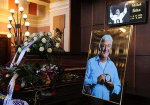 Pohřeb hokejového trenéra Miloše Říhy