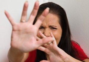 Žena z Brna zavolala strážníky, protože ji mlátil její bývalý přítel. (Ilustrační foto)