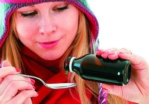Jitrocelový sirup užívejte po jednu čajové lžičce několikrát denně.