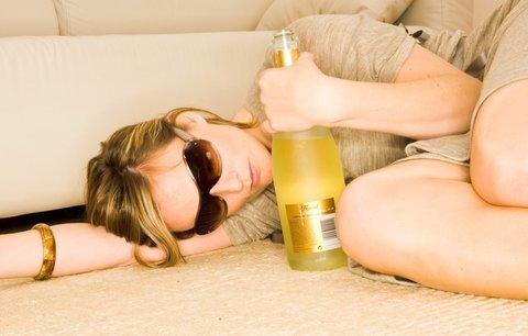 6 tipů, jak snadno zamaskovat, že jste minulou noc propařila
