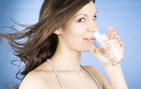Správný pitný režim dodržujte (nejen) v létě!
