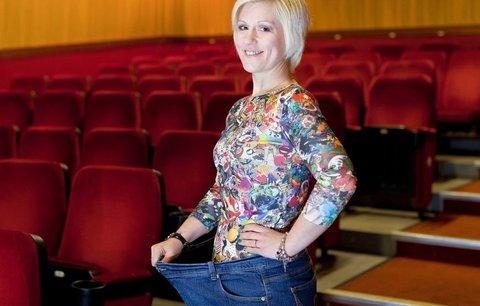 Trapas v kině: Britka zhubla protože se zasekla v kinosedačce