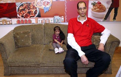 To je páreček: Co má společného nejmenší žena a druhý nejvyšší muž na světě?