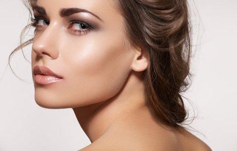 Vytvarujte svůj nos k dokonalosti: Postačí vám pár líčidel