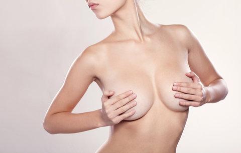 Zapomeňte na plastiku! Krásná prsa si vycvičte